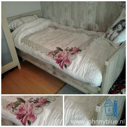 Bed Margreet Bed gemaakt van gebruikt, geschuurd steigerhout. Met open ruimte onder het bed, verhoogde hoofdeinde en een iets lager voeteneinde. Prijs vanaf : € 235,-