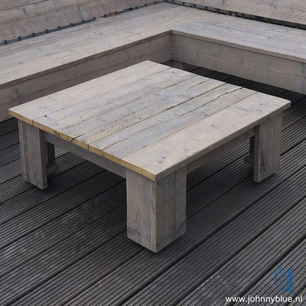 Salontafel Roos Deze salontafel is ook weer multifunctioneel: zowel als tafeltje als voetenbank te gebruiken. Doordat de hoogte exact gelijk is aan de zitting van de bank kun je hiermee heel gemakkelijk van je bank een loungebank maken. Optioneel: wieltjes. Prijs: op aanvraag